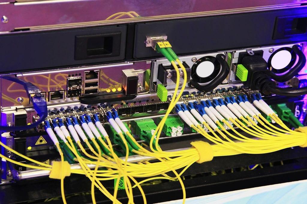 electronic equipment connectors